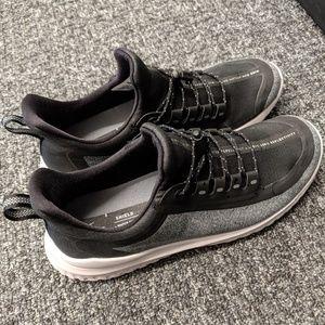 Nike renew rival shield running shoes